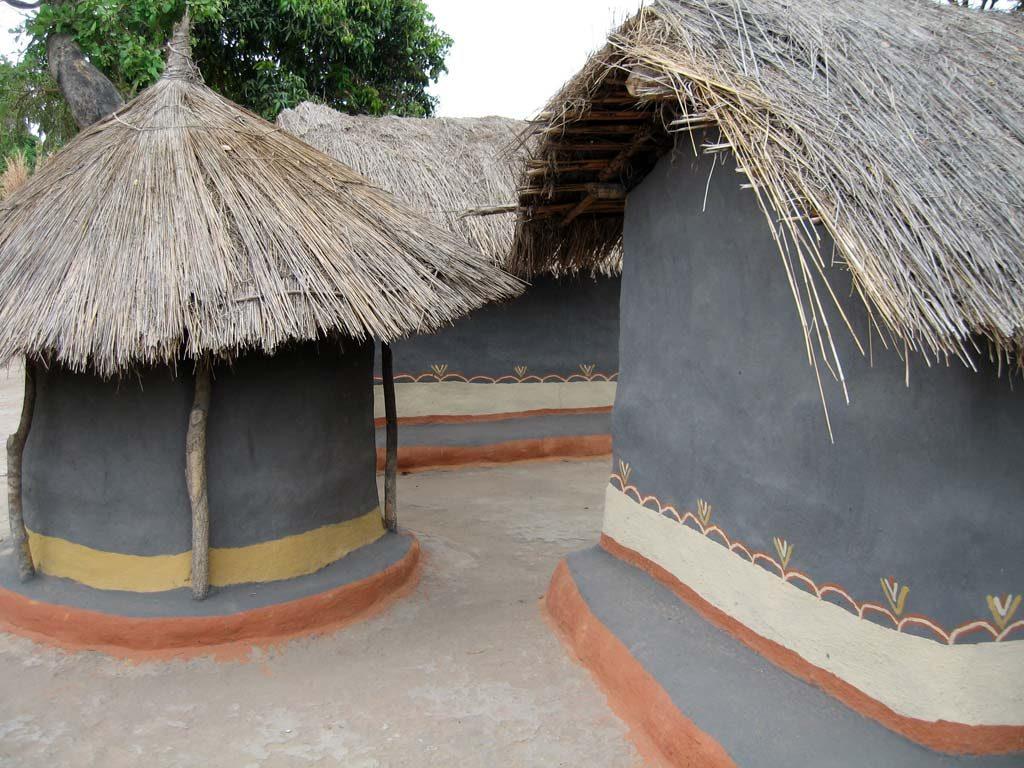 Traditionelle Lehmhütten in Malawi