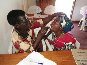Zahnuntersuchung in Malawi